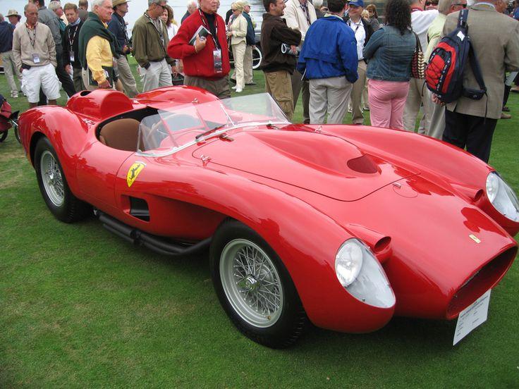 6. #Ferrari #250TestaRossa - O 250 Testa Rossa estreou-se no Nürburgring 1000kms de 1957 e tornou-se num dos carros de corrida desportivos mais bem sucedidos do mundo. Com o 250 TR a Ferrari venceu três vezes em Le Mans, quatro em Sebring e duas em Buenos Aires. Esta versão terminou em primeiro lugar na pista do Le Mans em 1960.