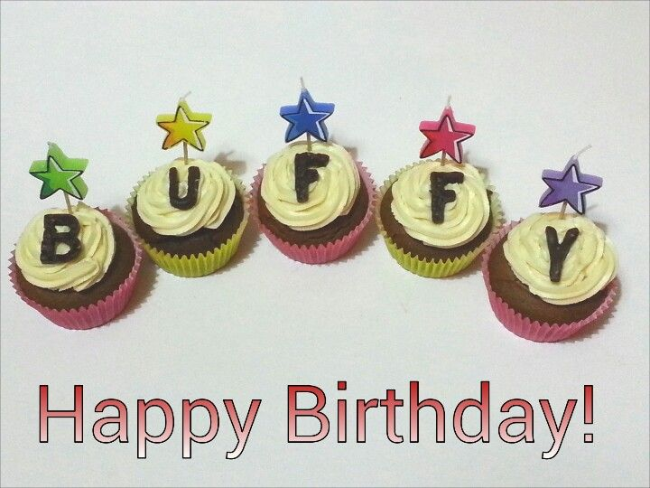 Birthday pupcakes. Organic, grain & dairy-free  www.waggydog.com.au