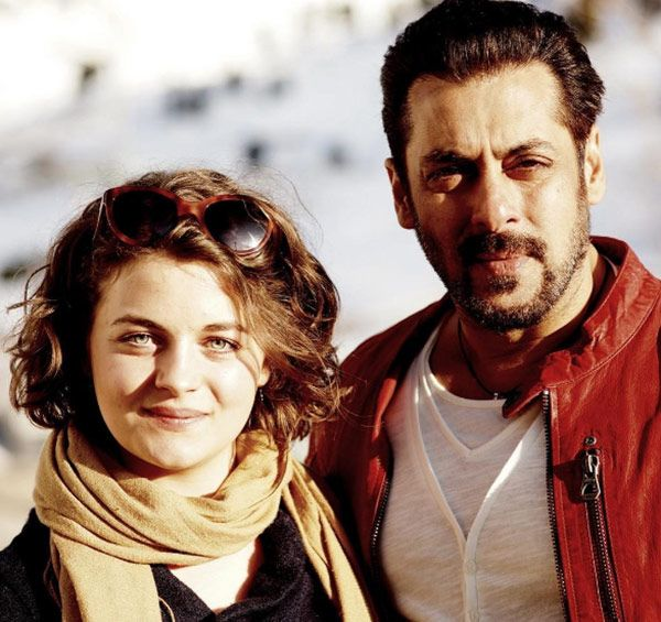 What's this Austrian actress doing with Salman Khan on the sets of Tiger Zinda Hai? View pic #FansnStars