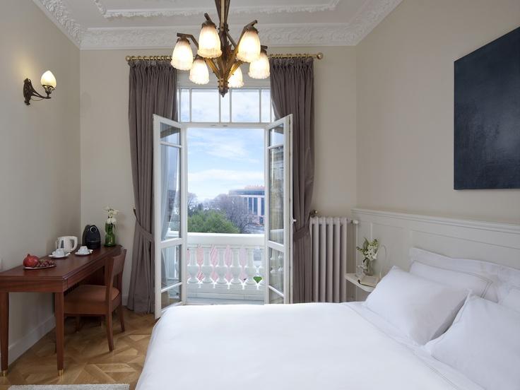 Armada Pera Hotel I Deluxe Room w/ city view. - Art nouveau style decorated. Historical Building / Tailor Made Hospitality.  #istanbul #turkey #wheretostayinistanbul #wheretostayinpera #pera #galata #avrupatarafı #europeanside #armadapera #armadaotel #armadahotel #armadaistanbul #boutiquehotel   www.armadapera.com www.armadaistanbul.com