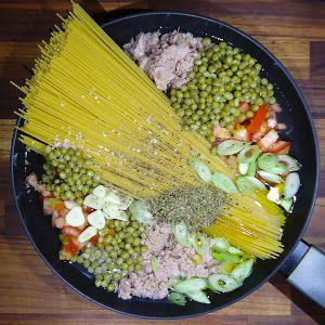 bonapp: Спагетти с тунцом и зеленым горошком. Все в одной кастрюле. One Pot Pasta