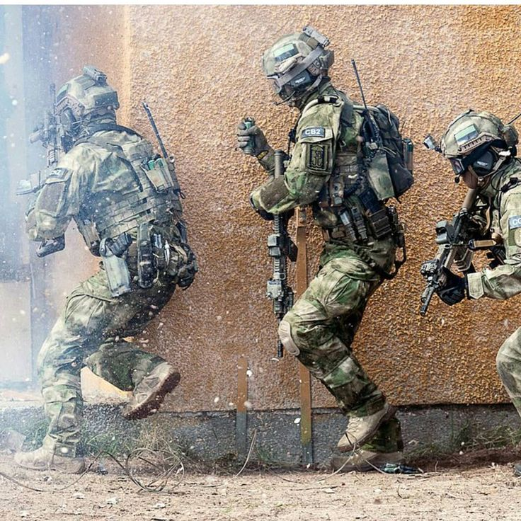 #us #usa #navyseals #navyseals #seals #army #marines#usaf #rangers #swat #fbi #callofduty #battlefield#paintball #airsoft #gopro #chiveon #semperfi#military #ghost #dive #basejump #redbull #instalike #weapon #specialforces Follow the squad: @global_sof @belgiumdefenceforces