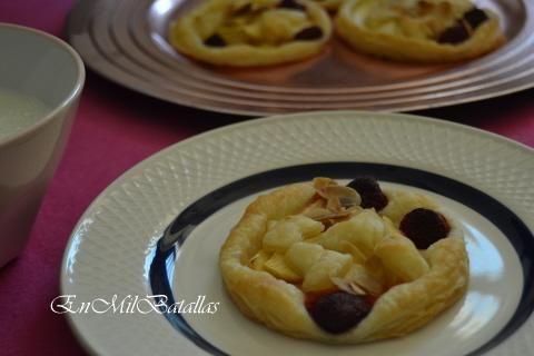 Tartas individuales de manzana, frambuesas y almendra http://enmilbatallas.com/2013/10/10/tartas-individuales-de-manzana-frambuesas-y-almendra/