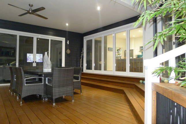 Hyamptons - JB Beach Houses, a Hyams Beach House | Stayz