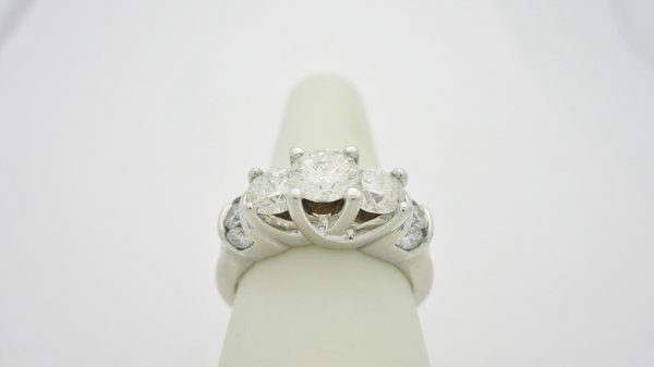 ONLY $1999.99 2.0 CTW  .60 CT CENTER WHITE GOLD ENGAGEMENT RING