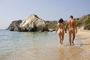 10 Reasons to Go to a Nude Beach This Summer
