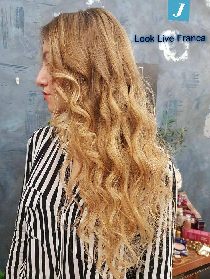 Nuove nuances,nuove tonalità,nuovo look che esaltano l'eleganza e la raffinatezza della nostra amica Letizia! #lookliveparrucchierafranca #ragusa #viadeimirti29 #wella #degradè #davines #sustaineblebeautypartner #soloperinumeriuno #degradècontouring