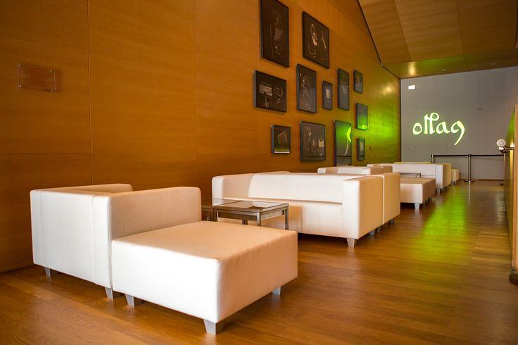Bequem und stylisch: die Loungemöbel der EVENTWIDE Collection