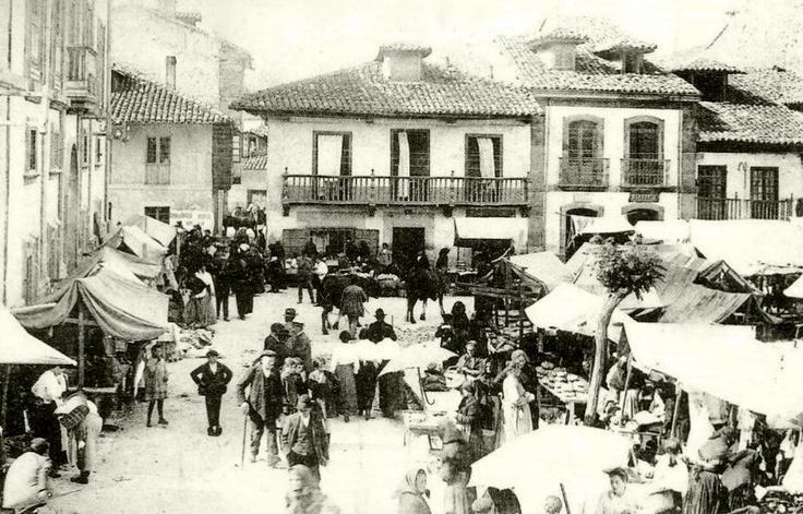 Mercado de La Pola de Siero. Plaza de Arguelles.