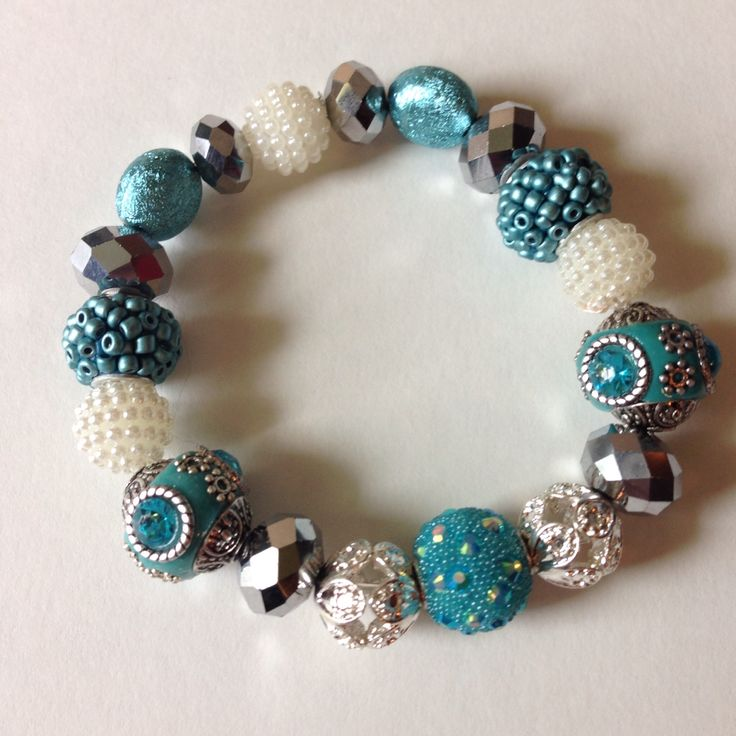 Bracelet turquoise and white