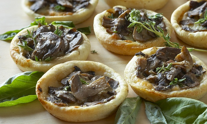 Gruyere, Wild Mushroom, And Arugula Pizza Recipes — Dishmaps