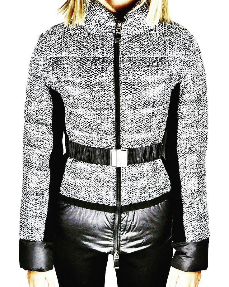 Outfitoftheday. ...#piumino # anomalie #black&white #NENETTE #SALE-30% #pegboutique #fashion #newstyle #DISPONIBILEINBOUTIQUE     Www.pegboutique.com