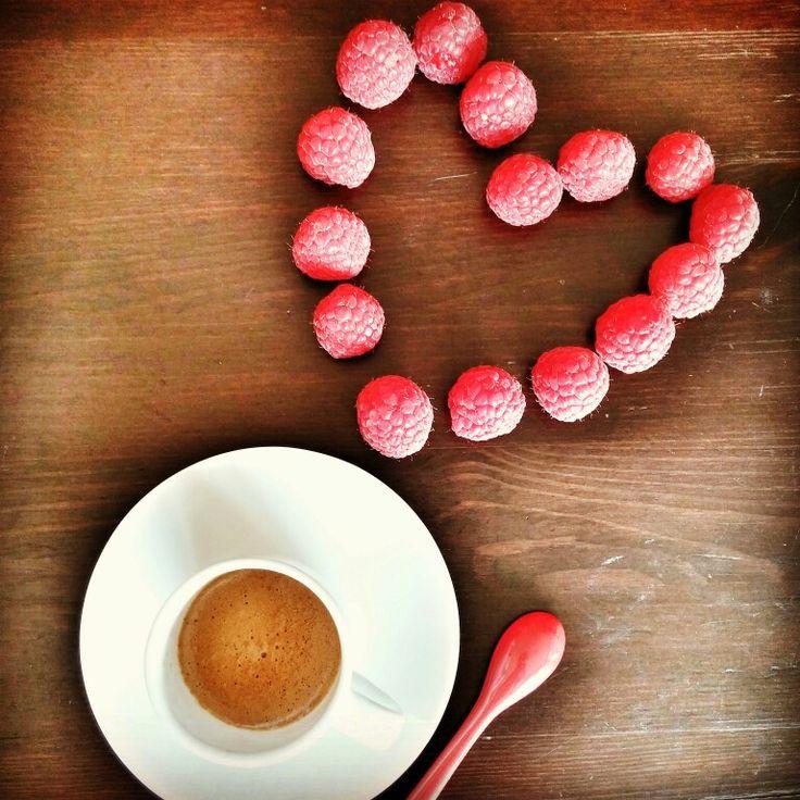 Love coffee #coffee #espresso #loving #heart #coffeebreak