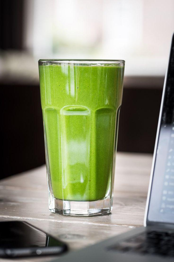 Op Voedzaam & Snel vind je inmiddels zo'n 15 groene smoothie recepten, lunchen met een groene smoothie is goed voor variatie. Wil je meer? Bekijk dan eens