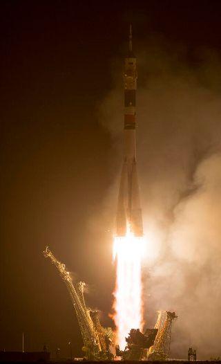 ソユーズTMA-13Mを搭載したソユーズFGは、カザフスタン時間2014年5月29日1時57分(日本時間2014年5月29日4時57分)、カザフスタン共和国にあるバイコヌール宇宙基地の1/5発射台、通称ガガーリン発射台から離昇した。ロケットは順調に飛行し、約9分後にソユーズを軌道に投入した。そしてその約6時間後、ISSのラスヴェート・モジュールに到着した。