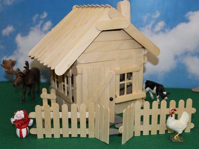 Hus av spatlar och glasspinnar - Slöjd-Detaljer