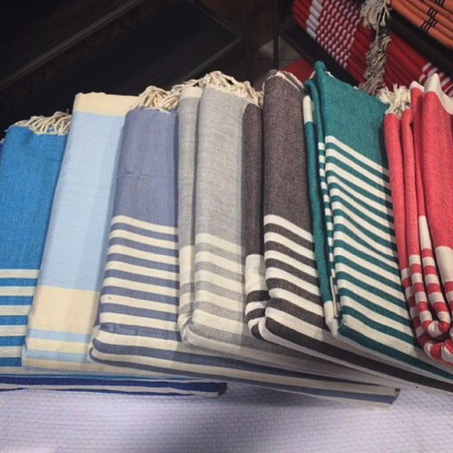 Let's put colors in your #life on #bed #table or #beach with @sateensydney ... @life_instyle ✨ #fouta  #easy #xxl #bigsize