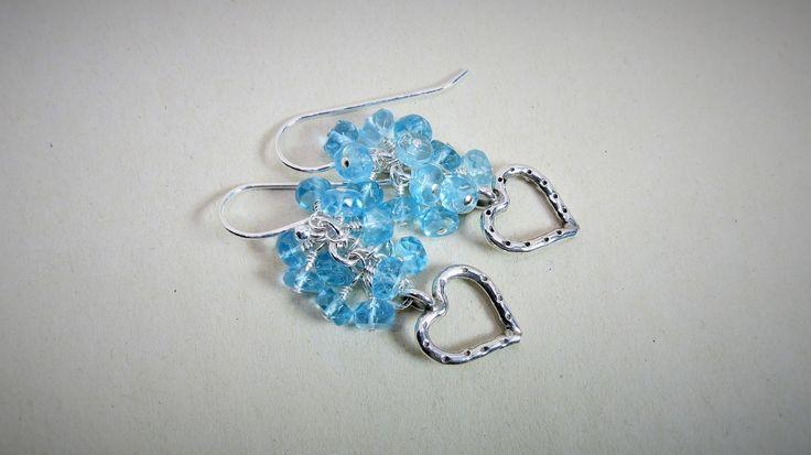 Apatite bleue ciel AAA, boucles d'oreilles chandeliers, coeur en argent fin, Hill Tribe silver, argent sterling, pierre naturelle - Produits fabriqués au Québec par Bijoubicou