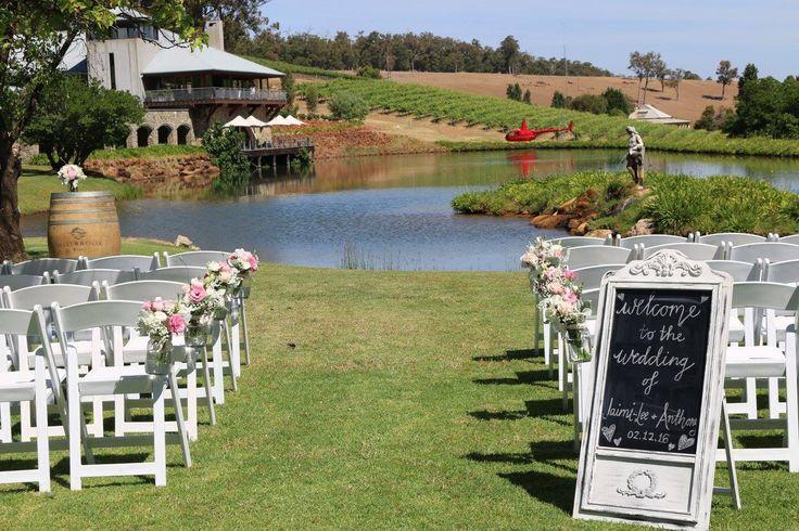 Ceremonies at Millbrook Winery | Flowers - Pick Me Flowers