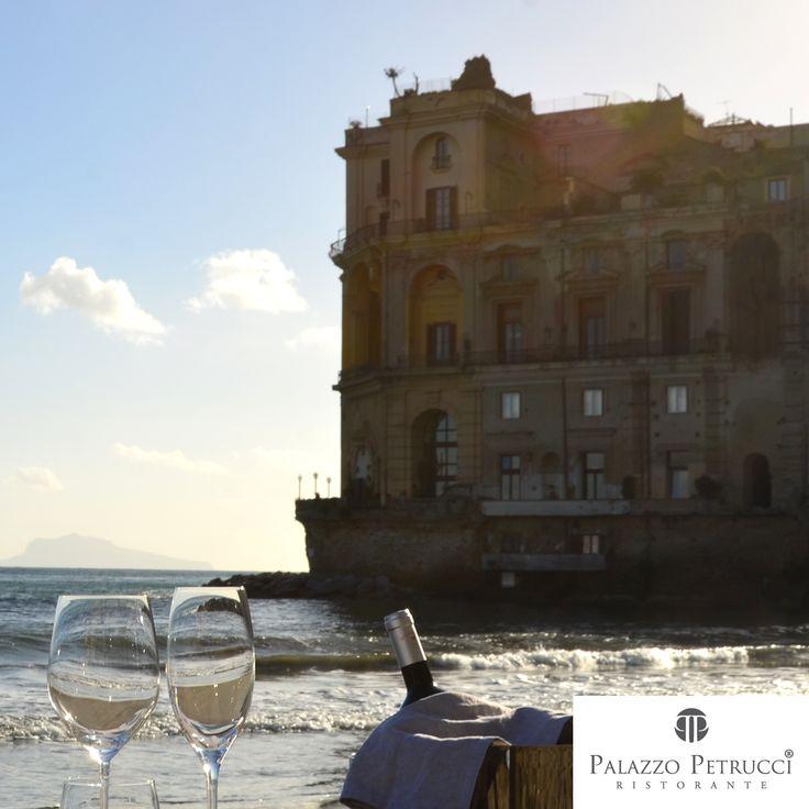 La nuova location di Palazzo Petrucci presso Palazzo Donn'Anna, il nostro nuovo punto di vista.