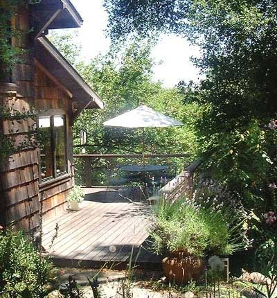 Your Private Getaway in Point Reyes, California. Guest Cottage on Five Acres - Private Hot Tub Craftsman Cottage design Private Hot tub Two bedrooms - quee...