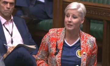 MP Hannah Bardell Wears Scotland Football Shirt In House Of Commons To Support Women's Euro Match   HuffPost UK
