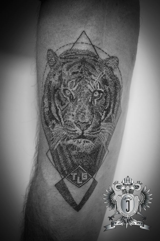 17 best images about mandala dotwork ethno on pinterest for Black mamba tattoo