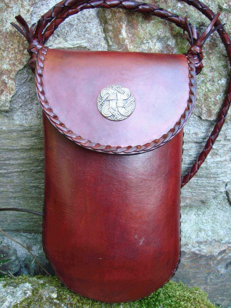 $225 Leather Bag Roxu, Leather design handmade in Spain , 12 x 25 x 5 cm