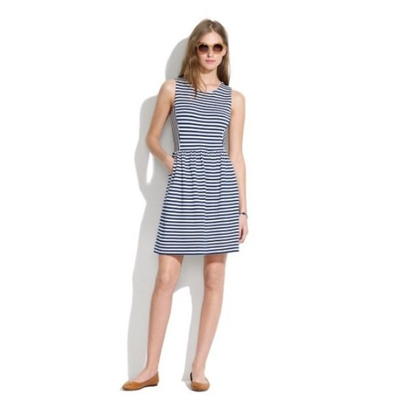 """Madewell Striped Afternoon Dress Blue & White Sophisticated and subtly stretchy, this dress erases any what-to-wear worries. It works with heels and flats alike. •Fitted at waist. •Falls 35"""" from shoulder. •Cotton with a hint of stretch. •Pockets. •Machine wash. •Import.                                                                          The dress has a very faint amount of normal pilling in a few spots. I tried to get a picture but it is too minimal to see on the camera. Looks fresh…"""