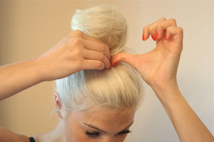 DIY Cotton Candy Bun Tutorial! AMAZING!  www.vanillaextractblog.com and www.ohheychrisi.com- you go Chrisi!