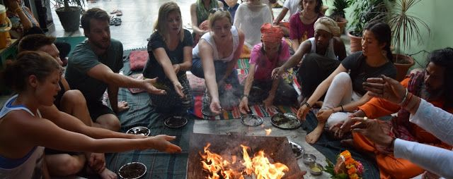 yoga school in india: Learn How To Conduct Group Yoga Classes from Authe...