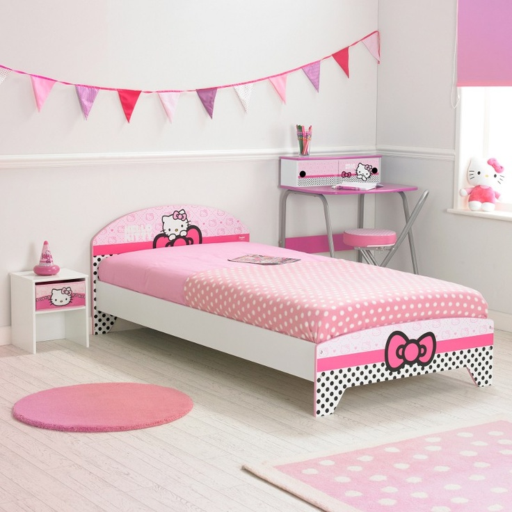 1000 images about chambre enfant hello kitty on pinterest bureaus pink and tour de lit for Chambre enfant fille hello kitty