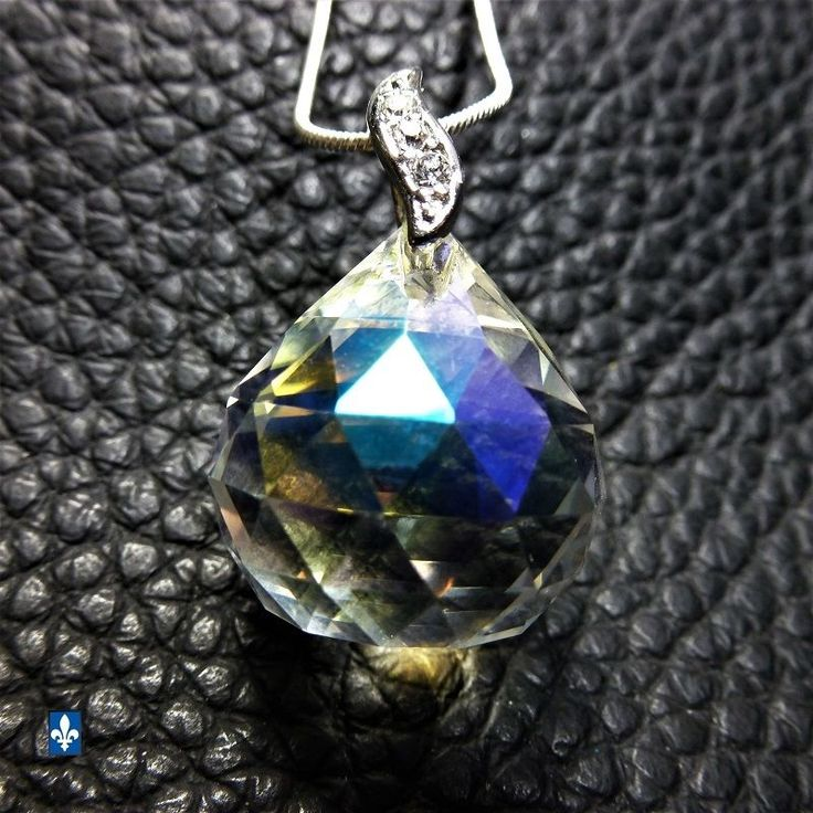 ♥ Stunning Iridescent Clear Multifacets Crystal Drop & Plated Silver 24in. Chain
