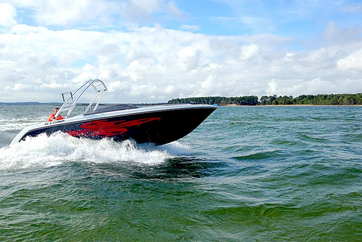 Enjoy the pleasure of the Wave Boat 656
