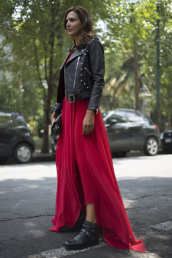 Rockin' red #Mexico #funny #days #rocker #look #ootd #RoyalCloset #YSL #ChristianLouboutin #SophieSimone #lifestyleblogger #fashionblogger #moalmada