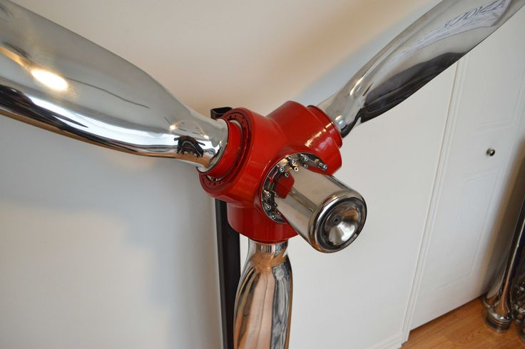 #McCauley #cessna #blade #pale #hélice #propeller #airplane #avion #aviation #deco #art #miroir #mirror #interior #interieur #gift #design #industrial #industriel #cadeau   McCauley 3 bladed polished airplane propeller off a Cessna 310