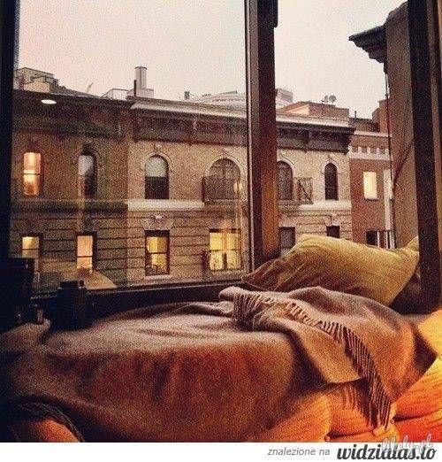 za oknem...