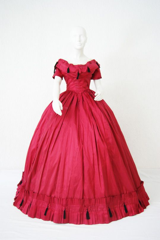Evening dress ca. 1855