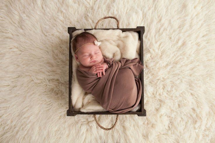 Sienna Ray #babyphotoshoot #babyphotography #newbornphotography credit @blincphotography