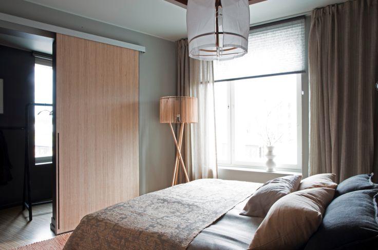Taustalla on myös vaatehuone, jonne saa vaatteet piiloon. #yitasuntomessut #yitviherperhe #asuntomessut #asuntomessut2014