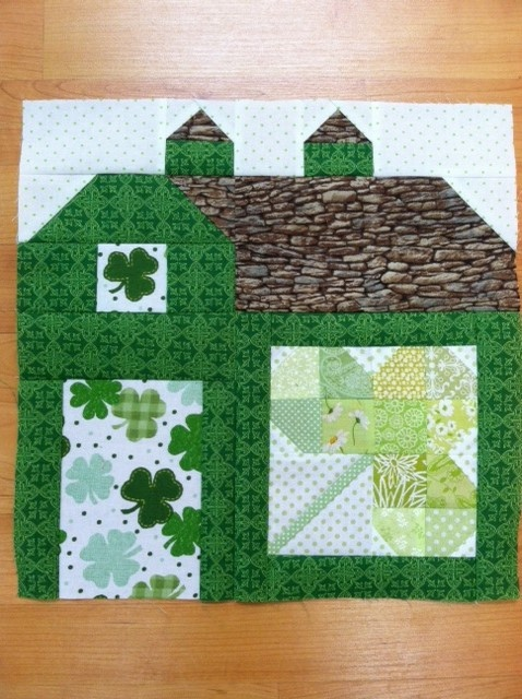 Irish Barn Quilt Patterns : 17 Best images about iRISH st. Patricks day quilts on Pinterest Body scrubber, Celtic knots ...