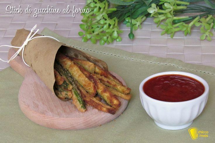 STICK DI ZUCCHINE CROCCANTI AL FORNO - BAKED ZUCCHINI STICKS WITH PAPRIKA AND PARMESAN #stick #bastoncini #zucchine #alforno #light #sani #dieta #dietetici #parmigiano #paprica #croccanti #parmesan #cheese #pangrattato #paprika #healthy #food #ilchiccodimais http://blog.giallozafferano.it/ilchiccodimais/stick-di-zucchine-al-forno-croccanti/