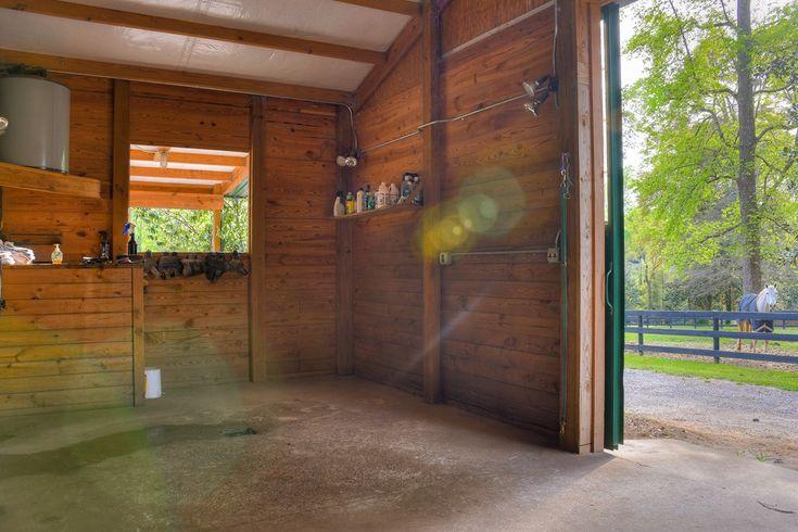 215 dupree place sw aiken sc 29801 fenced in yard
