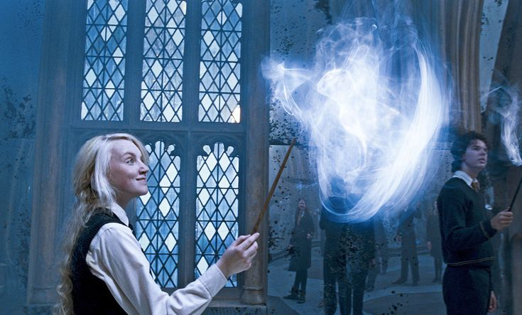 "Here's Why Evanna Lynch Thinks She's Similar To Luna Lovegood In ""Harry Potter"""