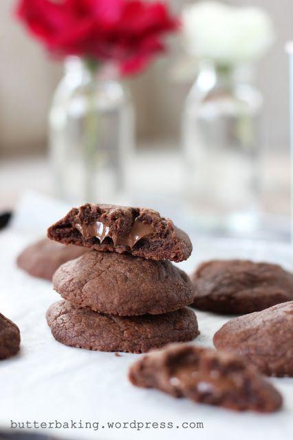 Γλυκές Τρέλες: Μπισκότα nutella γεμιστα με nutella.....