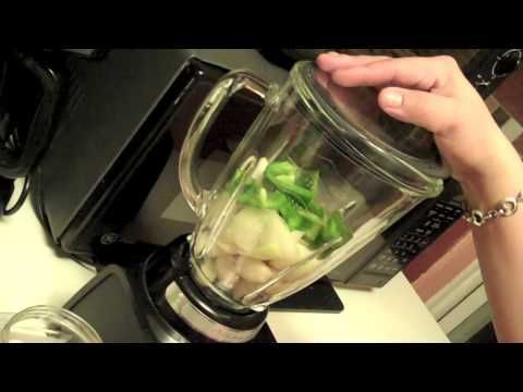 How to make authentic sofrito (  Puerto Rican pesto sauce )