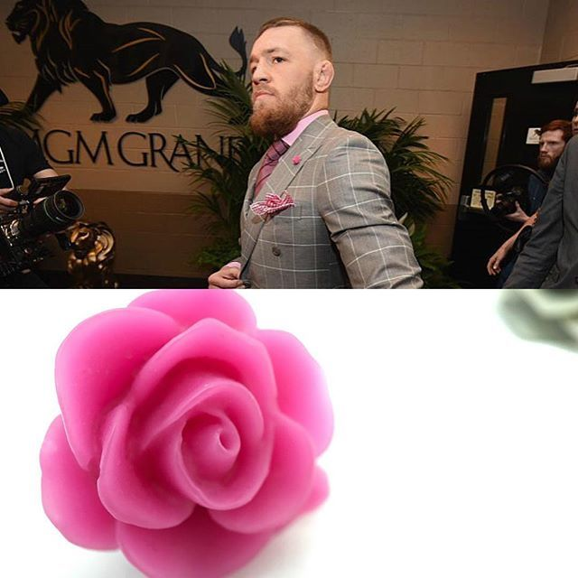 You can now purchase David August Rose Lapel Pins online! Add a pop of color to your suit game just like @thenotoriousmma! #ConorMcGregor #Lapel #MensFashion #DavidAugust