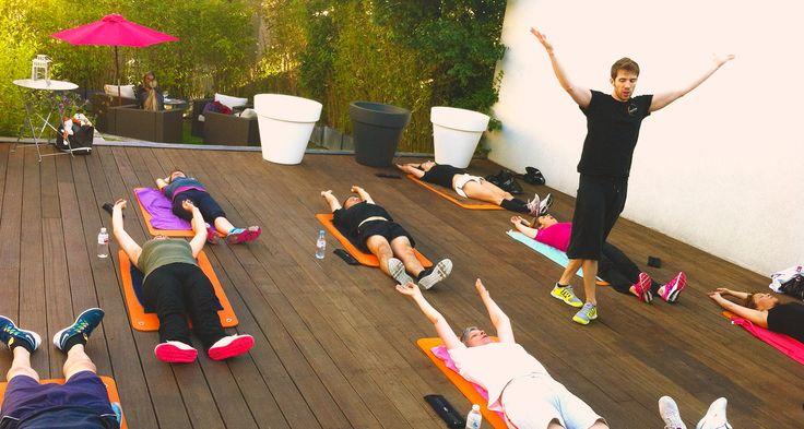 cours collectifs sur la terrasse pour se détendre