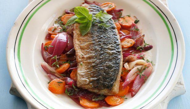 Escabeche har sin opprinnelse i Middelhavsregionen, og er en rett hvor fisk marineres i en syrlig marinade. Prøv denne oppskriften med makrell.