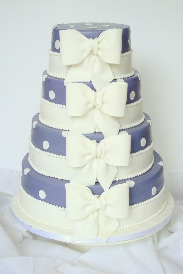 wedding cake with bow on top 25 best ideas about bow wedding cakes on 26835